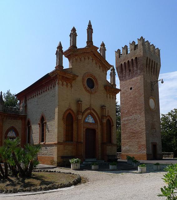 Civitanova Marche, tra mare, cultura e storia Thumbnail