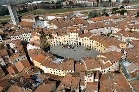Tour di Lucca con degustazione di vini Thumbnail