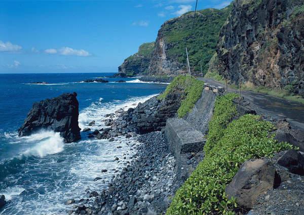 Hana_Belt_Road_Between_Haiku_and_Kaipahulu_Hana_vicinity_(Maui_County_Hawaii)