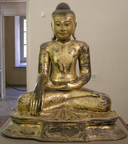 Birmania,_buddha_assiso_in_bhumisparshamudra,_XVIII_sec