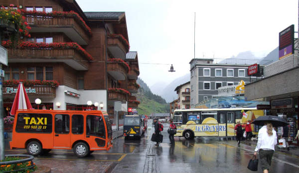 Elektrobus a Zermatt
