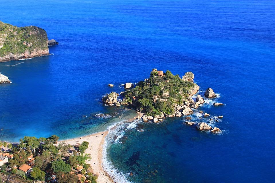 Vacanze Last minute nelle Isole italiane, dove andare e quale scegliere Thumbnail